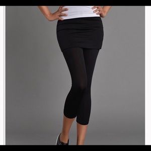 Nearkin Black Skirt With Attached Leggings Sz M